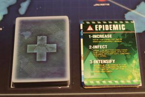 Les cartes Epimédie sont toujours redoutées puisqu'elles entraînent l'infection d'une nouvelle ville.