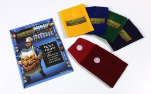 Une pastille de velcro sur le sac pour remplacer le boutton d'origine et protéger le tissu.