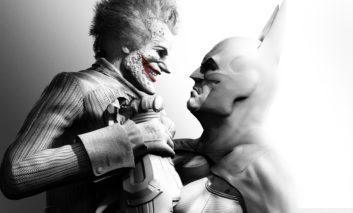 Batman revient à Arkham dans une compile PS4 et Xbox One