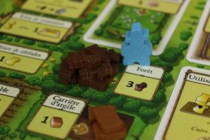 La patience du fermier bleu a finalement payé. Il touche le jackpot à la forêt.
