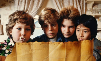 Live : The Goonies, le jeu de cartes